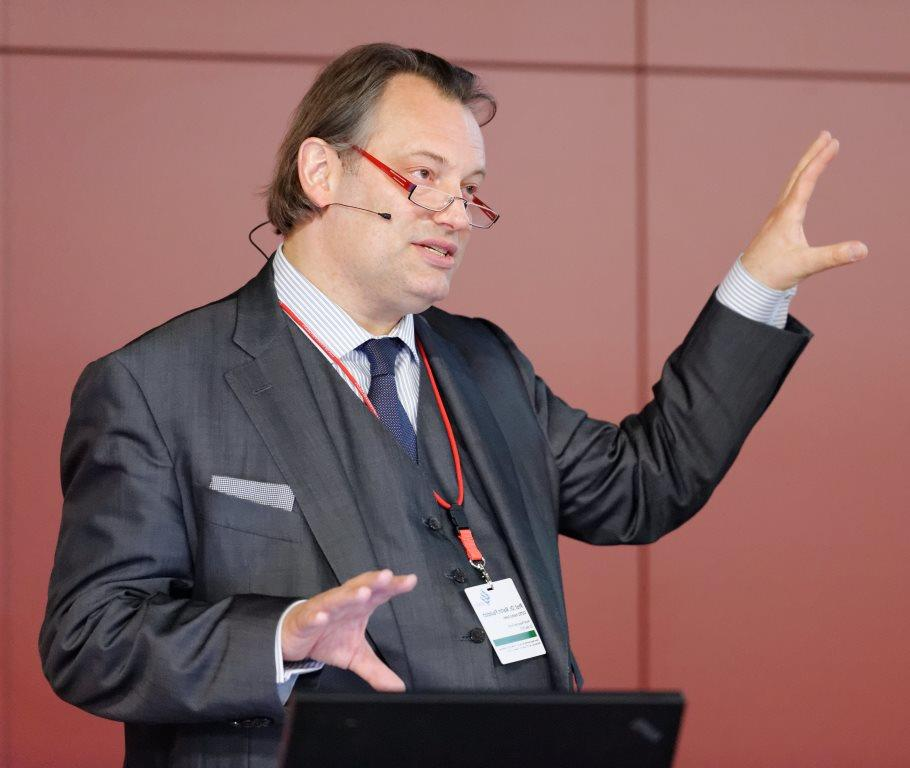 """""""There are no technical barriers for a future without oil, gas or coal"""" says Martin Faulstich at WRF Conference"""