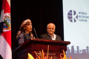 Dr. Sonia Valdivia and Prof. José Luis López, the chairs of the Scientific Sessions
