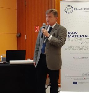 Marcin Sadowski at Raw Materials Summit FORAM